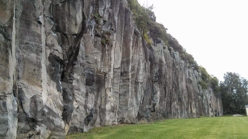 Rock Climbing Photo: Long side