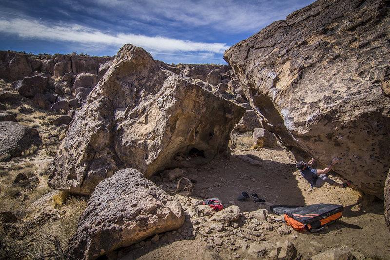 Rock Climbing Photo: The Happy Boulders (Volcanic Tablelands)