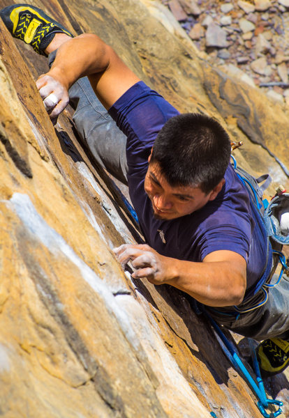 Alberto Luna Castillo working hard for the flash on Flounder (11a) at Whippoorwill. Photo by Jeff Dunbar.