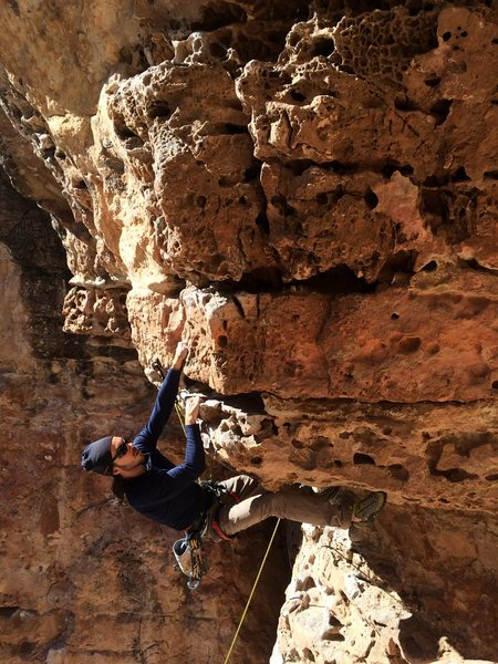 Rock Climbing Photo: Hauling jugs through the roof
