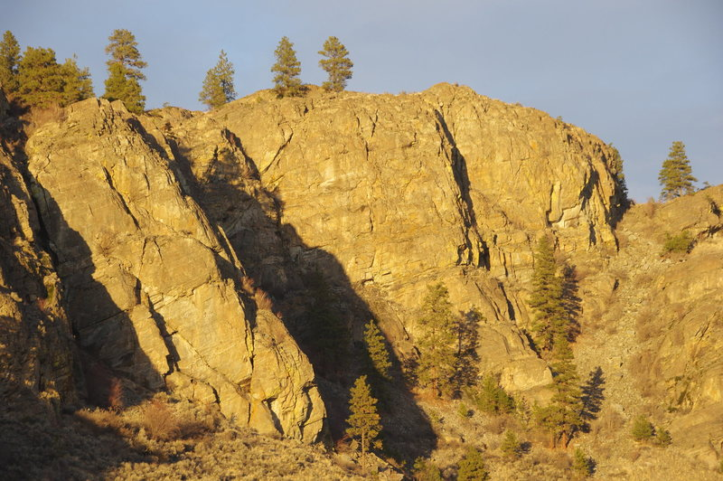 Rock Climbing Photo: North Central crag in late December