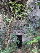 Rock Climbing Photo: Entrance to Treasure Cave crag.