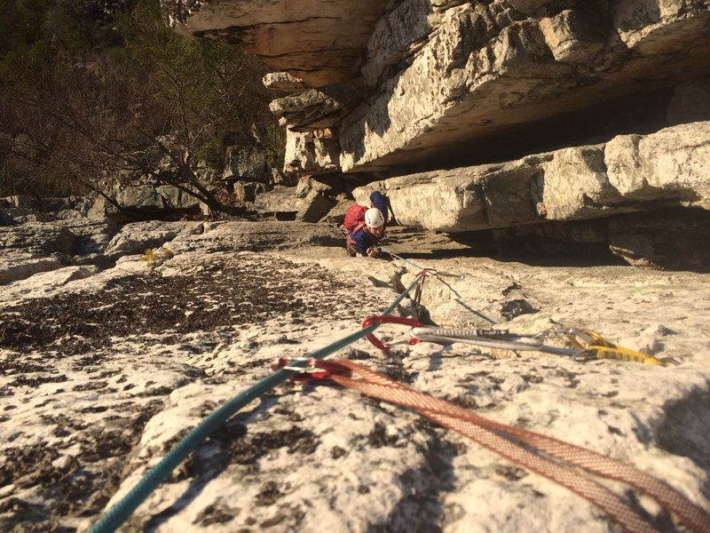 Eric following the last pitch. Fun mix of chimney and crack.