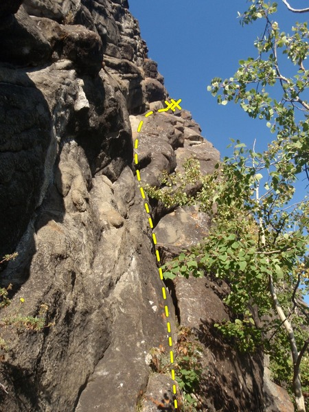 Rock Climbing Photo: This would be a great warm up if not for the dirt ...