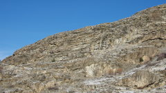 Rock Climbing Photo: Upper South Face of the Middle Wall from the SE