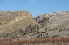 Rock Climbing Photo: McLoughlin Canyon to the north from near the Chewi...