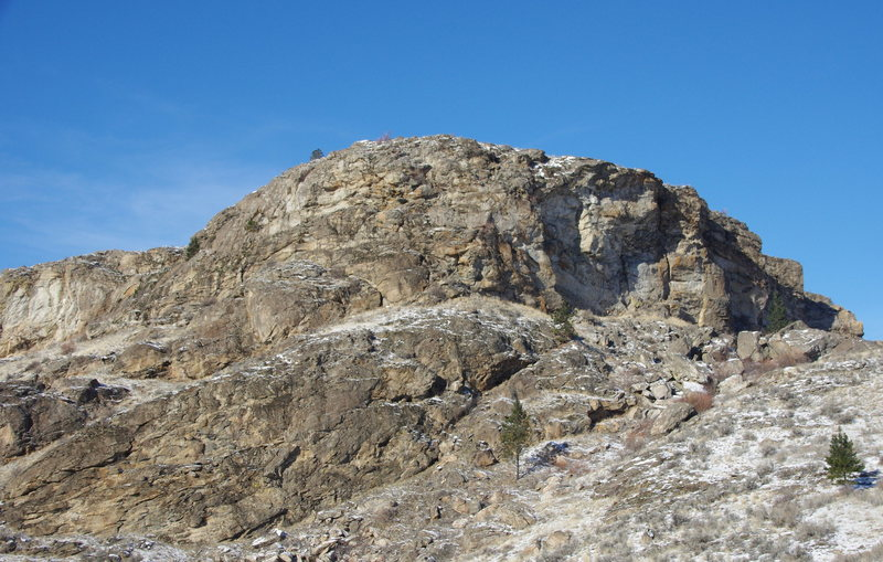 Rock Climbing Photo: Upper crag from the SE