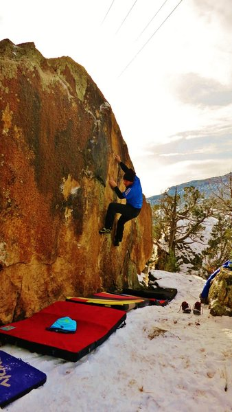 Rock Climbing Photo: Working the sidepull/rail combination on Sur Les P...