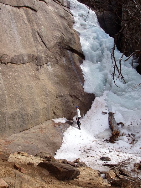 Elk Falls Ice, good beginner ice climb, WI1 to WI2 maybe.