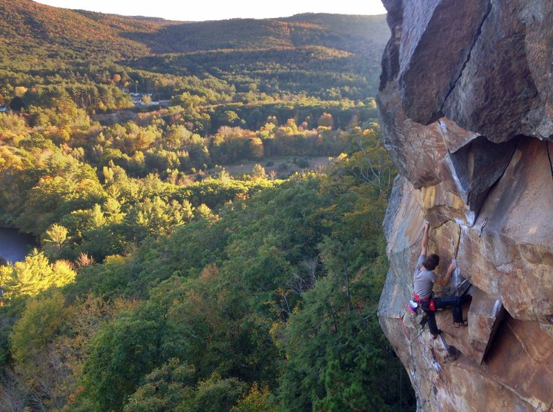 Rock Climbing Photo: Out of the kneebar rest