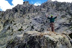 Rock Climbing Photo: On the summit block of Indian Buttress with the Al...