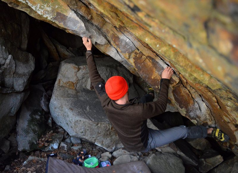"""Aaron Write gunning for the 2nd ascent of """"Hawksong"""""""