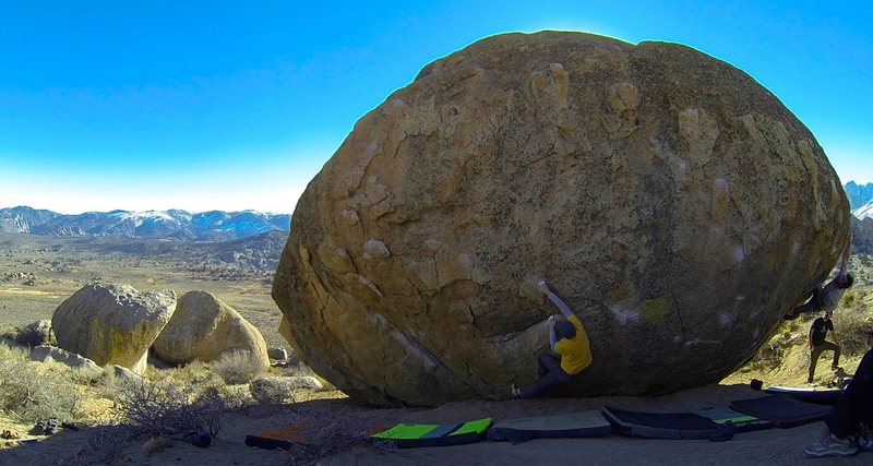 Center : Smooth Shrimp; R : Bubba Gump<br> With a view on The Mandala Boulder(On the L)
