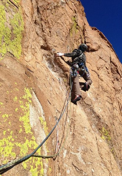 Leading the 4th pitch of Unknown. This was a really fun pitch, especially the horizontal crack and slab up top.