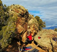 Rock Climbing Photo: Sticking the difficult move to the crimp on Southi...