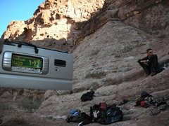 Rock Climbing Photo:  Res von Kanel sitting at the base of Bedouin Life...