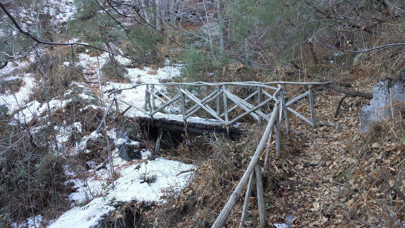 Rock Climbing Photo: The bridge you cross to reach Acqua Rocca.