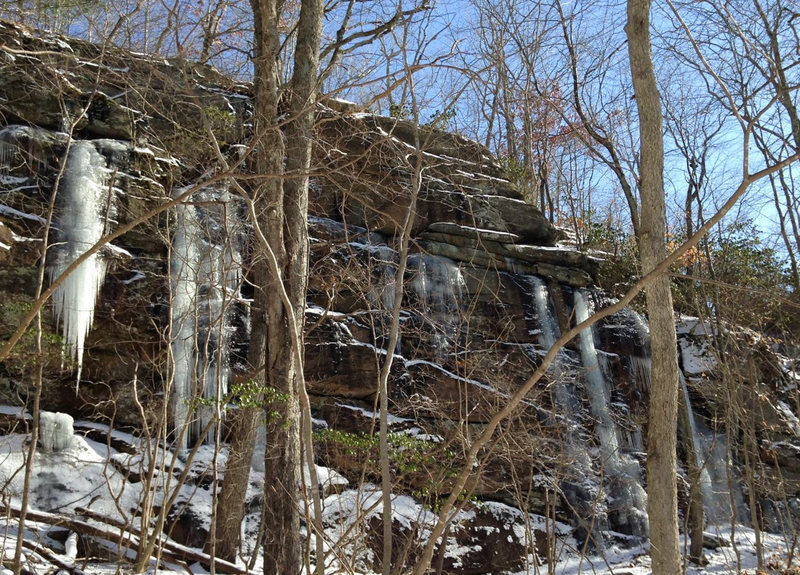 Rock Climbing Photo: The Tube is the obvious line on the right. The Lyr...