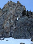 Rock Climbing Photo: Good pic of pitch 2. P1 anchor is just above the v...