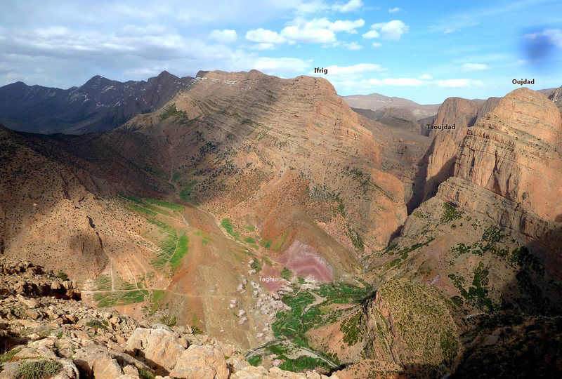 Rock Climbing Photo: The village and some surrounding mountains