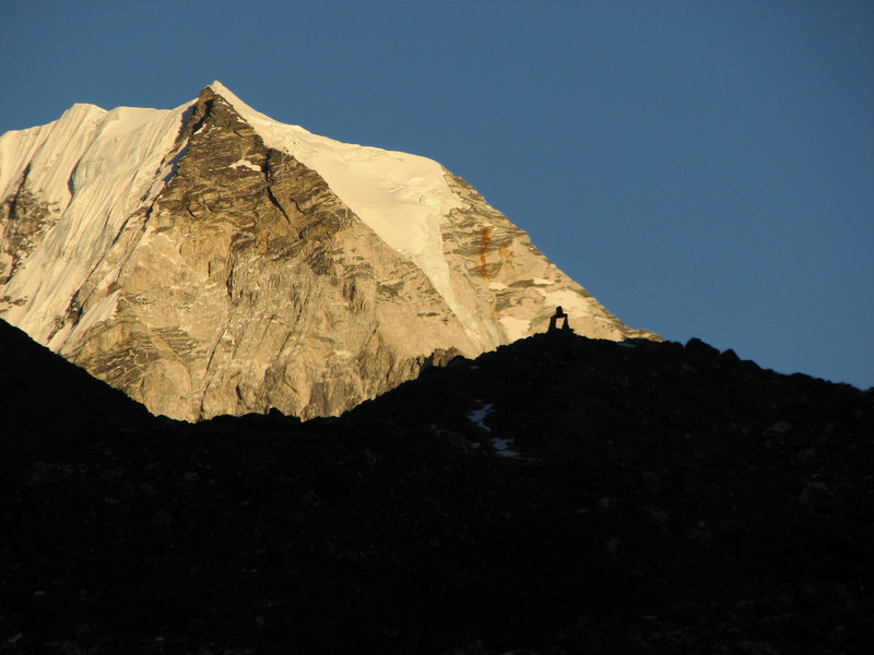 Island Peak from Chhuukung Approach