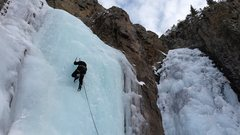 Rock Climbing Photo: Mike Colacino on upper left pitch of Whore House H...