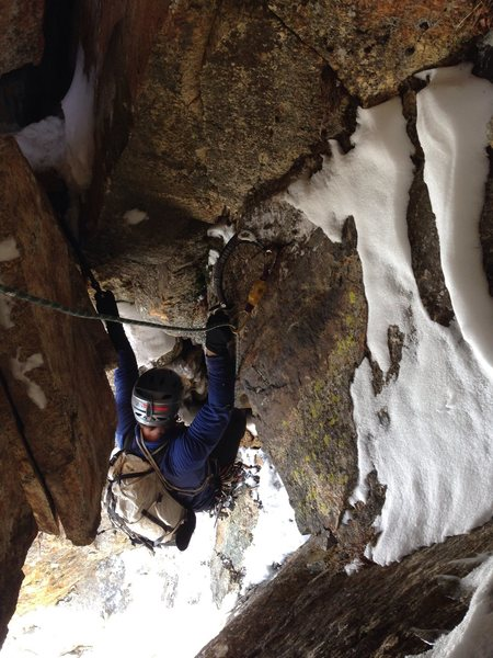 Rock Climbing Photo: Sam hooking under the giant chockstone. Such aweso...