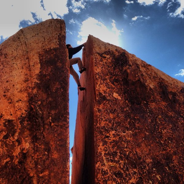 Rock Climbing Photo: Plumbers Crack. Red Rock Nevada