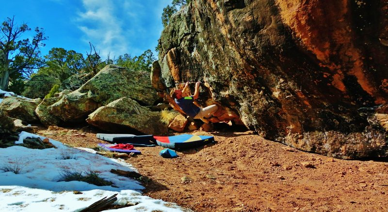 Rock Climbing Photo: Start beta of Bikini Jones and The Termite Sisters...