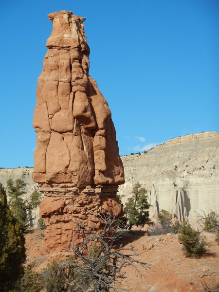 Roadrunner Tower and the Colossus of Cannonville in the distance.