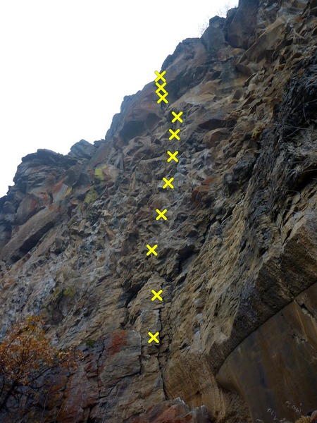 Rock Climbing Photo: Draws hanging on unknown route (Cave/Middle Wall/R...