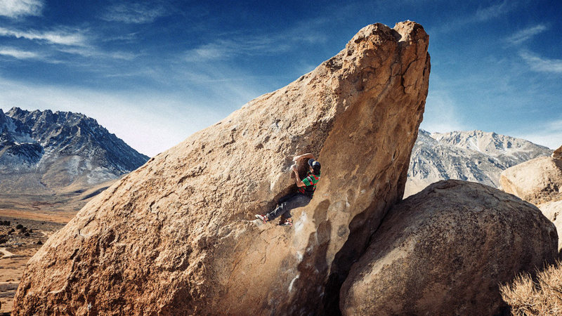 Rock Climbing Photo: manny pulls around the corner on bowling pin, jan ...