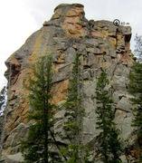 Rock Climbing Photo: The route climbs the wide splitter on the right si...