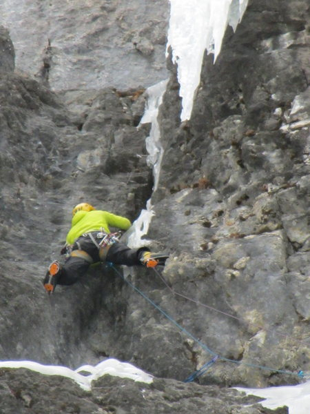 Rock Climbing Photo: The second crux on pitch 2.