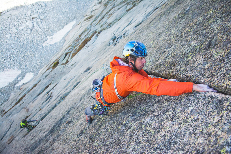 Can it get any more splitter in the park then this pitch? Eli Helmuth of Climbing Life Guides cruises the money pitch on The Barb.