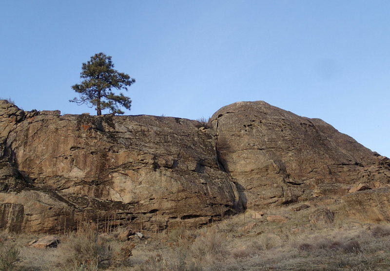 Rock Climbing Photo: Lower Slabs from the approach trail