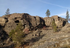Rock Climbing Photo: Kiva Cliff from the South