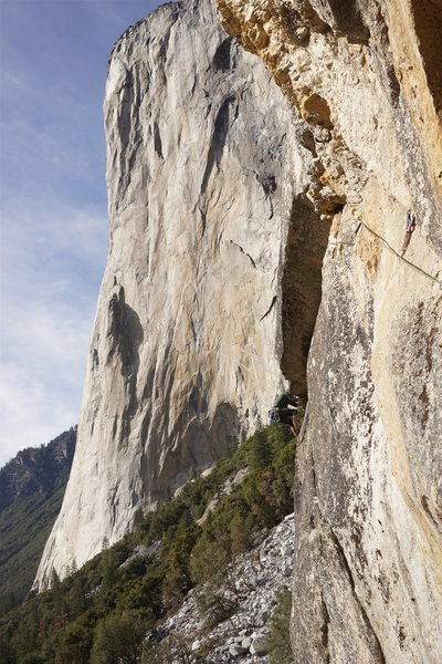Rock Climbing Photo: 3rd pitch crux.. underclinging tips crack