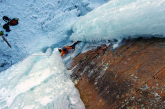 Rock Climbing Photo: Nate Erickson moving between the pillars. Feb 21, ...