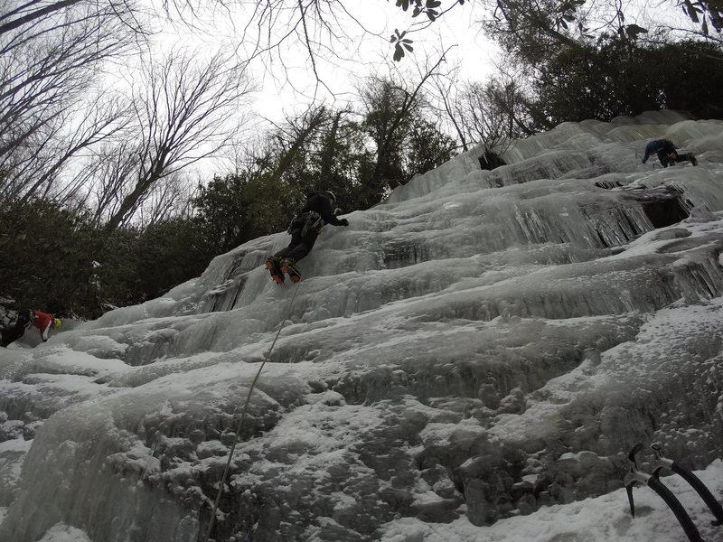 Rock Climbing Photo: Full expanse of the flow. Far left climber on WI2,...
