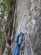 Rock Climbing Photo: Funky, non-redundant anchor setup... but convenien...