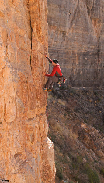 Rock Climbing Photo: Mike Tritt grabs the 2nd ascent The Iliad (5.10+)