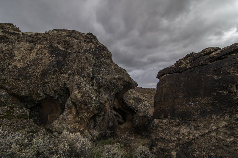 Rock Climbing Photo: Hidden Boulder as seen from Finicky Boulder