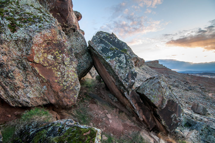 Rock Climbing Photo: Severed Boulder