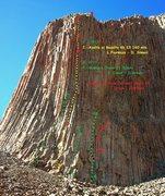 Rock Climbing Photo: Area between La Proa and La repisa Central