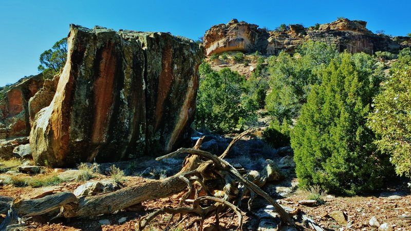 Rock Climbing Photo: Numen's east face.