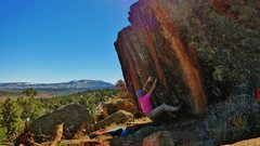Rock Climbing Photo: Start beta of Skookum. A rare fist jam for Nine Mi...