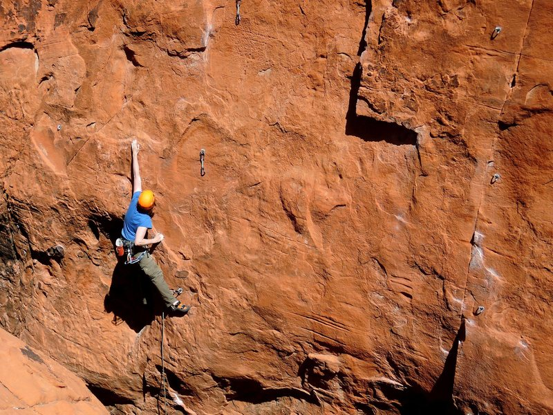Rock Climbing Photo: Reaching out of the giant hueco down low.
