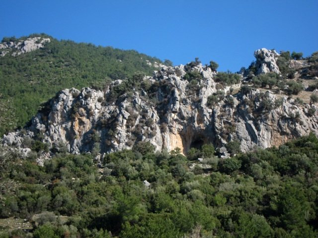Rock Climbing Photo: Left side of Önyüz with the prominent hole in th...