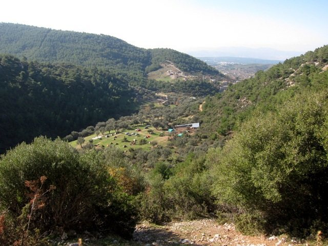 Campsite/carpark from the Hüdaverdi sector at Kaynaklar.  Marine layer over Izmir in the distance.